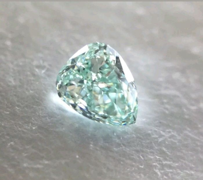 Real 0.23ct Natural Loose Fancy Green Top Color Diamond GIA VS1 Pear Shape