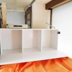 機能的なベッド。すべてのベッドに机、金庫、ライト、コンセント、収納ボックスつき。