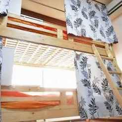 カーテン付きベッド