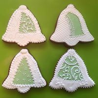 Tamala's Honey Gingerbread bell cookie