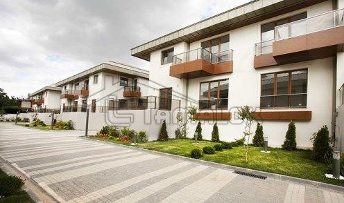 property_56f7b51fe3700
