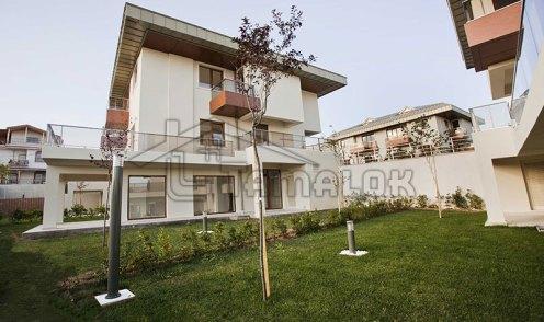 property_56f7b526173b8