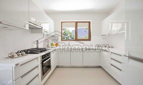 property_56f7b526b7dca