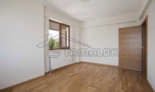 property_56f7b52d400cb