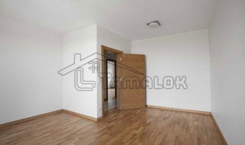 property_56f7b52e143e4