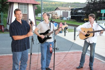 Amanda & Me perform, as part of Chamber Summer Concert Series, Train Station, Tamaqua (84)