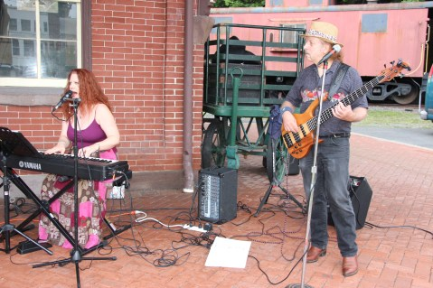 Fraser Thomas performs Acoustic Jazz, Blues & Pop during Chamber Summer Concert (1)
