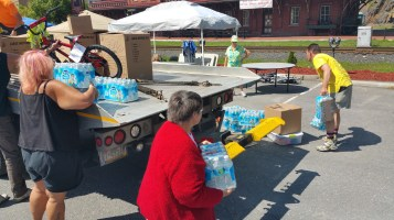 Setting Up For Salvation Army Kidz Karnival, Kids Carnival, Train Station Lot, Tamaqua, 8-4-2015 (4)