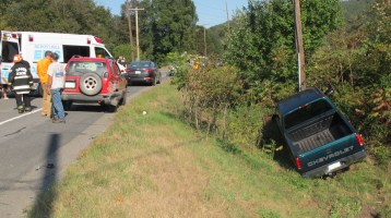 Two Vehicle Accident, Clamtown Road, SR443, Clamtown, Walker Township, 9-17-2015 (5)