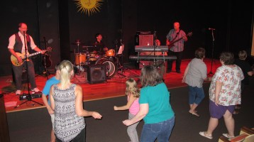 Bee's Knees Back to the 60's Rock Show, Tamaqua Community Arts Center, Tamaqua, 9-19-2015 (57)