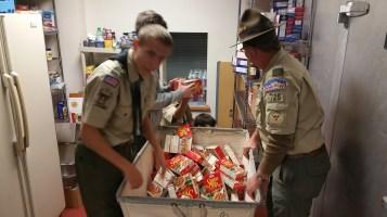 11-5-2015, Barnesville Boy Scout Troop 725 Sort Food Donations, Tamaqua Salvation Army, Tamaqua (10)