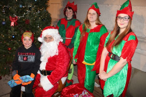 Coaldale Holiday Tree Lighting, Via C.H.O.S.E., Borough Hall, Coaldale, 11-29-2015 (35)