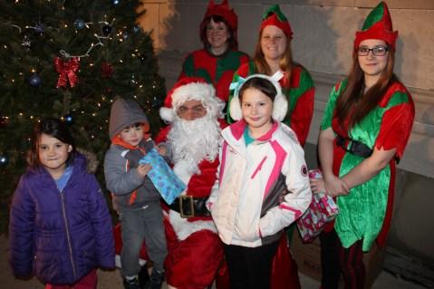 Coaldale Holiday Tree Lighting, Via C.H.O.S.E., Borough Hall, Coaldale, 11-29-2015 (68)