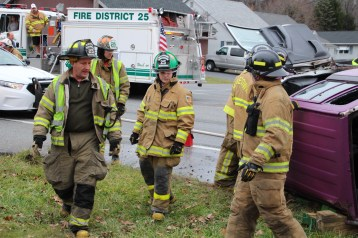 Overturned Vehicle, SR309, Hometown, 11-28-2015 (15)