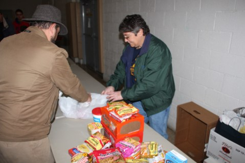 Tamaqua Troop, Pack, 777, Collecting, Sorting, Donations, Salvation Army, Tamaqua, 11-14-2015 (17)