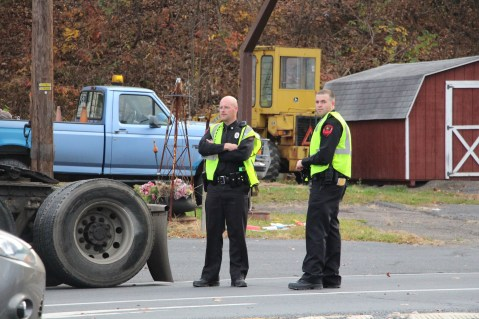 Tractor Trailer Overturns, US209, SR93, Nesquehoning, 11-5-2015 (114)