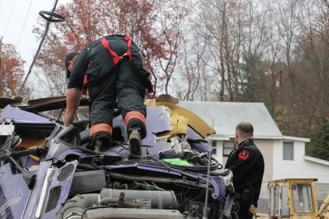 Tractor Trailer Overturns, US209, SR93, Nesquehoning, 11-5-2015 (25)