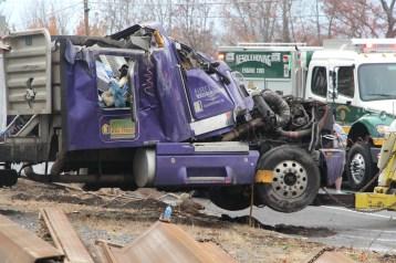 Tractor Trailer Overturns, US209, SR93, Nesquehoning, 11-5-2015 (75)