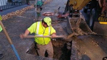 Water Department Repairing Service Line, 200 block of East Broad Street, Tamaqua, 11-6-2015 (13)
