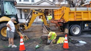 Water Department Repairing Service Line, 200 block of East Broad Street, Tamaqua, 11-6-2015 (3)
