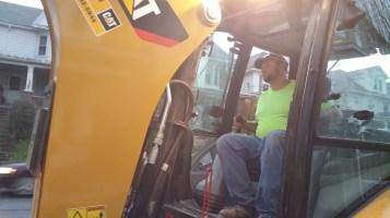 Water Department Repairing Service Line, 200 block of East Broad Street, Tamaqua, 11-6-2015 (8)