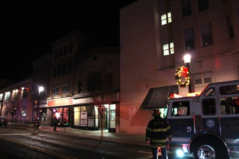 Apartment Building Fire, 45 West Broad Street, Tamaqua, 12-19-2015 (1)