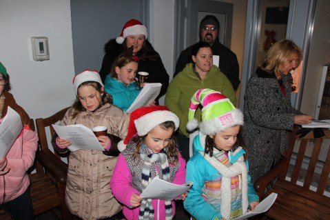 Community Members, Volunteers with Tamaqua Community Arts Center Sing Carols, Tamaqua (4)