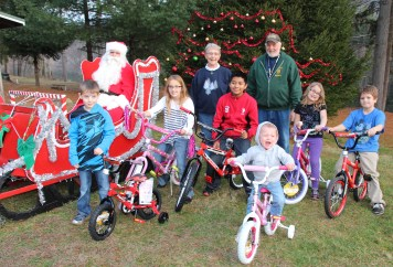 Santa Claus Visits Dam, Festival at Owl Creek, Tamaqua, 12-12-2015 (59)