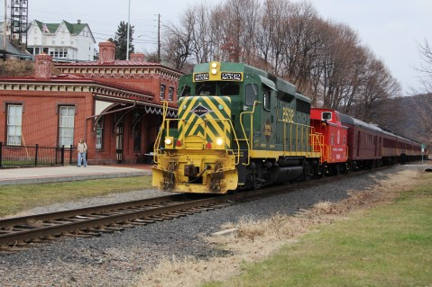 Santa Train Rides, via Tamaqua Historical Society, Train Station, Tamaqua, 12-19-2015 (1)