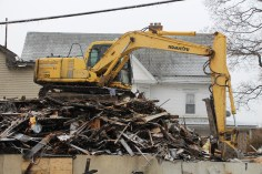 apartment-building-being-torn-down-2nd-north-street-lehighton-1-10-2017-2