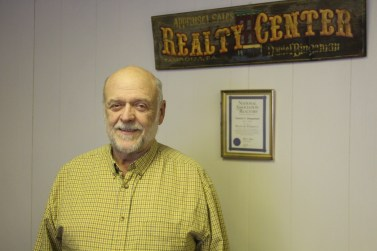 business-of-the-day-dan-bingaman-realty-insurance-w-broad-st-tamaqua-1-26-2017-8