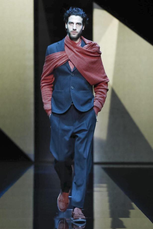 Giorgio Armani Menswear Fall Winter 2017 Milan