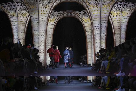 Versace Menswear F/W 2017 Milan 5