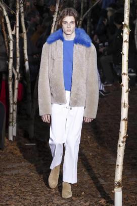 OFF-WHITE Menswear Fall Winter 2017 Paris