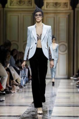 Giorgio Armani Privé Couture Fall Winter 2017 Paris