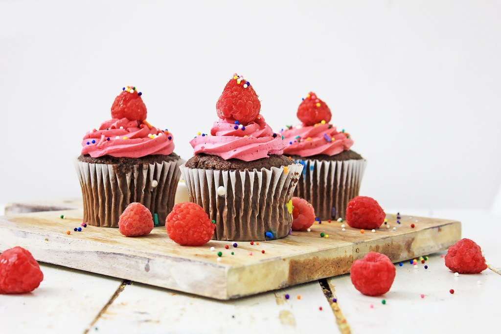 These summer raspberry cupcakes will take you back to summertime days when you were a kid eating raspberries by the handful, barefoot and playing in the sun