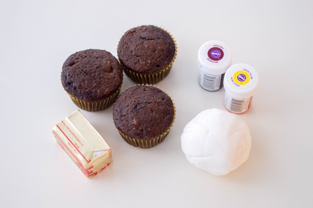 ingredients for Gryffindor cupcakes