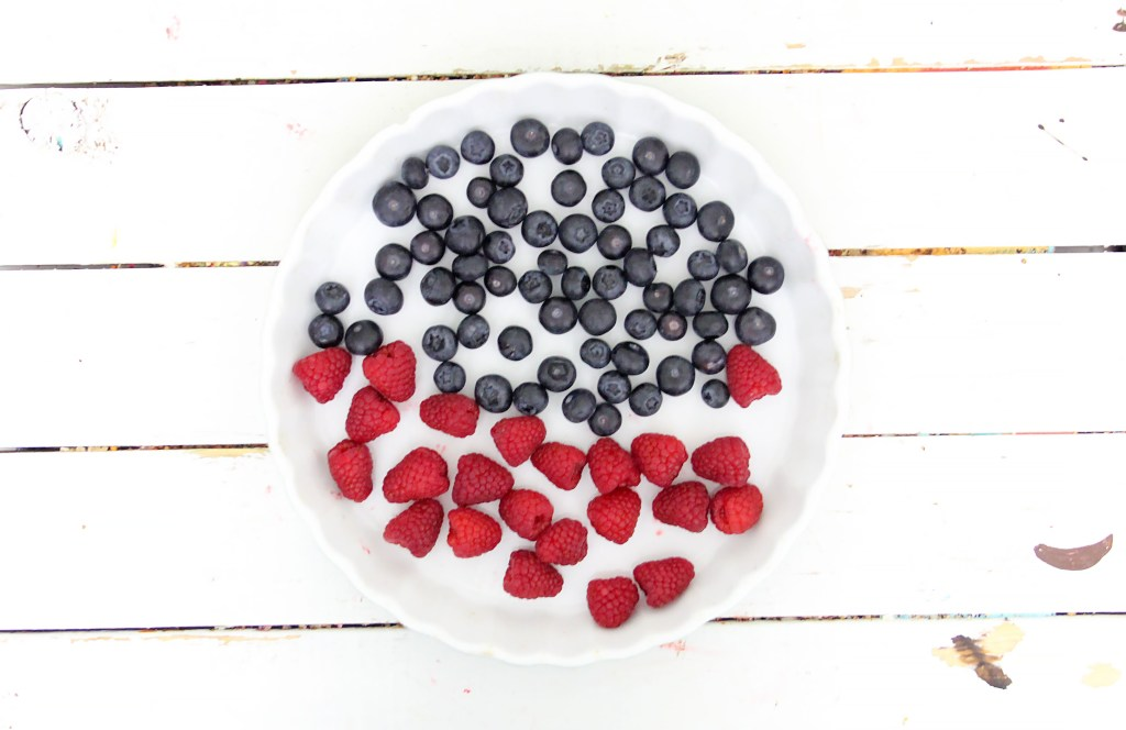 berries for top layer of no bake cheesecake