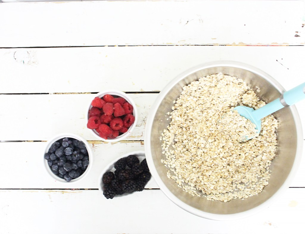 ingredients for mixed berry breakfast bars