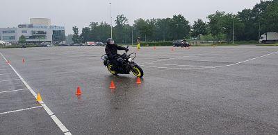 uitwijkoefening motorrijopleiding - moto maestro