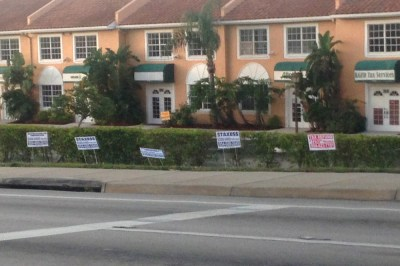 More snipe signs in Tamarac.