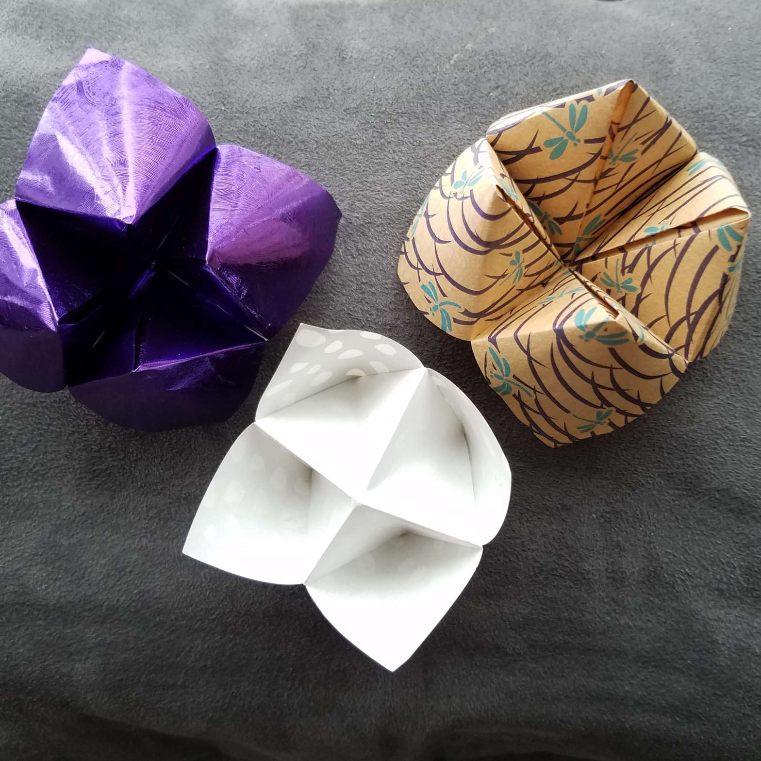 How to make a Cootie Catcher Step by Step Instructions - Red Ted ... | 1568x1568