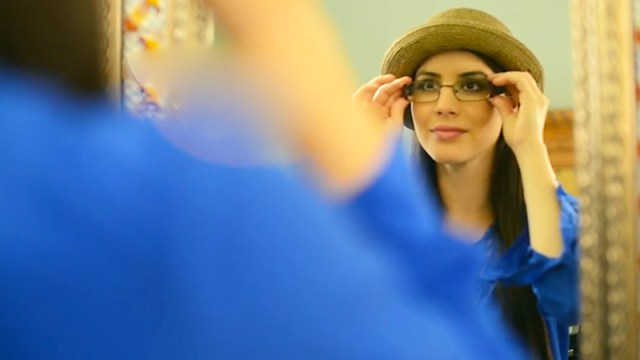 Tamara-Rodriguez_America's-Best-Eyeglass-World-Commercial_04