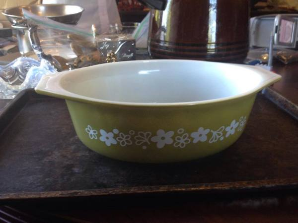Vintage Spring Blossom Green Pattern Pyrex Casserole