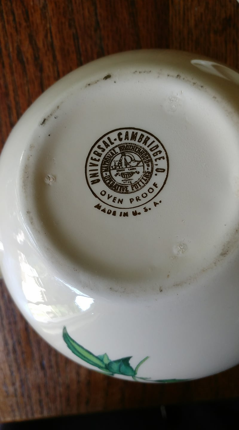 Universal Cambridge Oven Proof National Brotherhood of Operative Potters Made In USA Rose Pattern