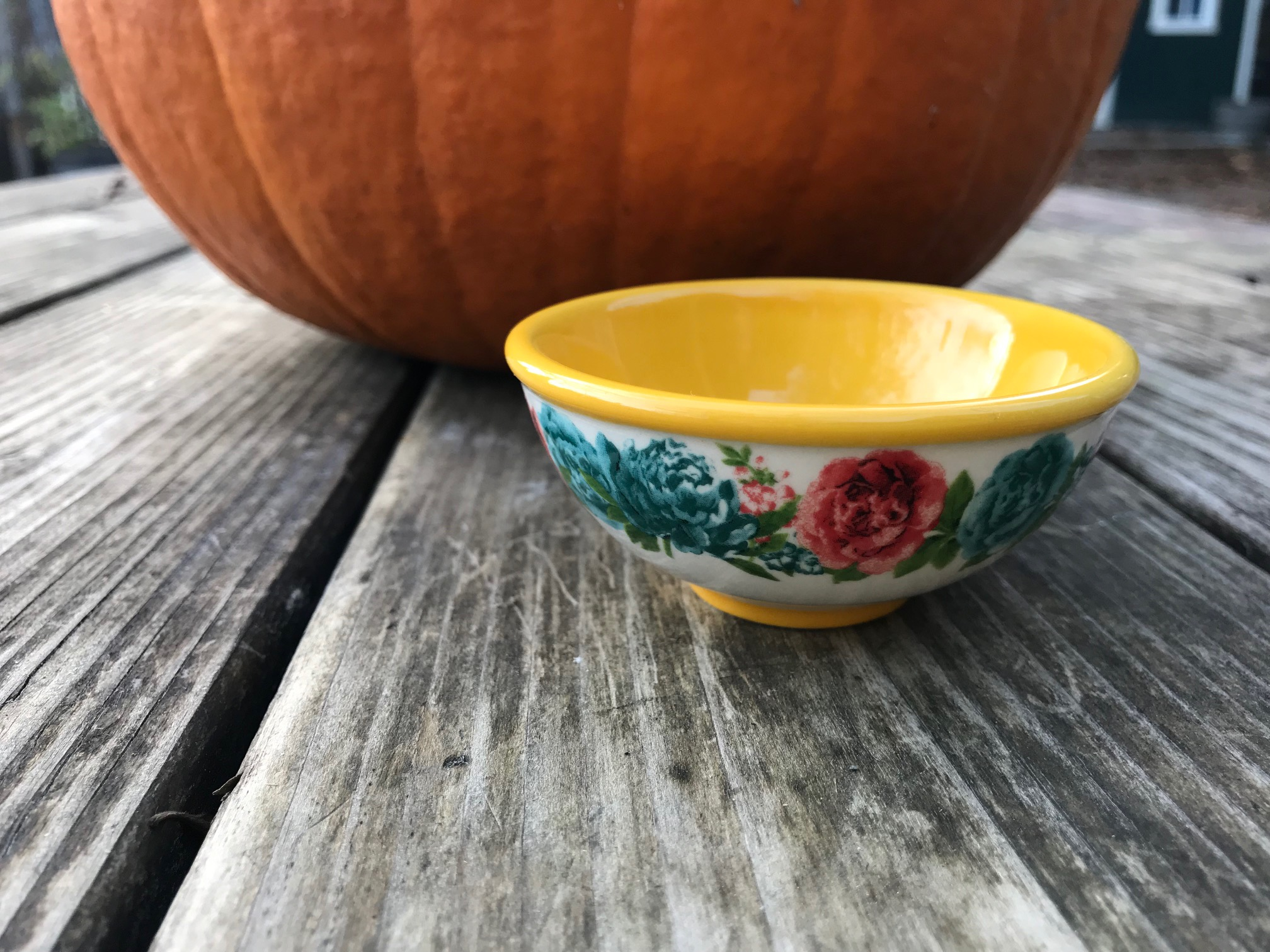 Pioneer Woman Blossom Jubilee / Gold Dipping Bowl: as high as 951 ppm Lead