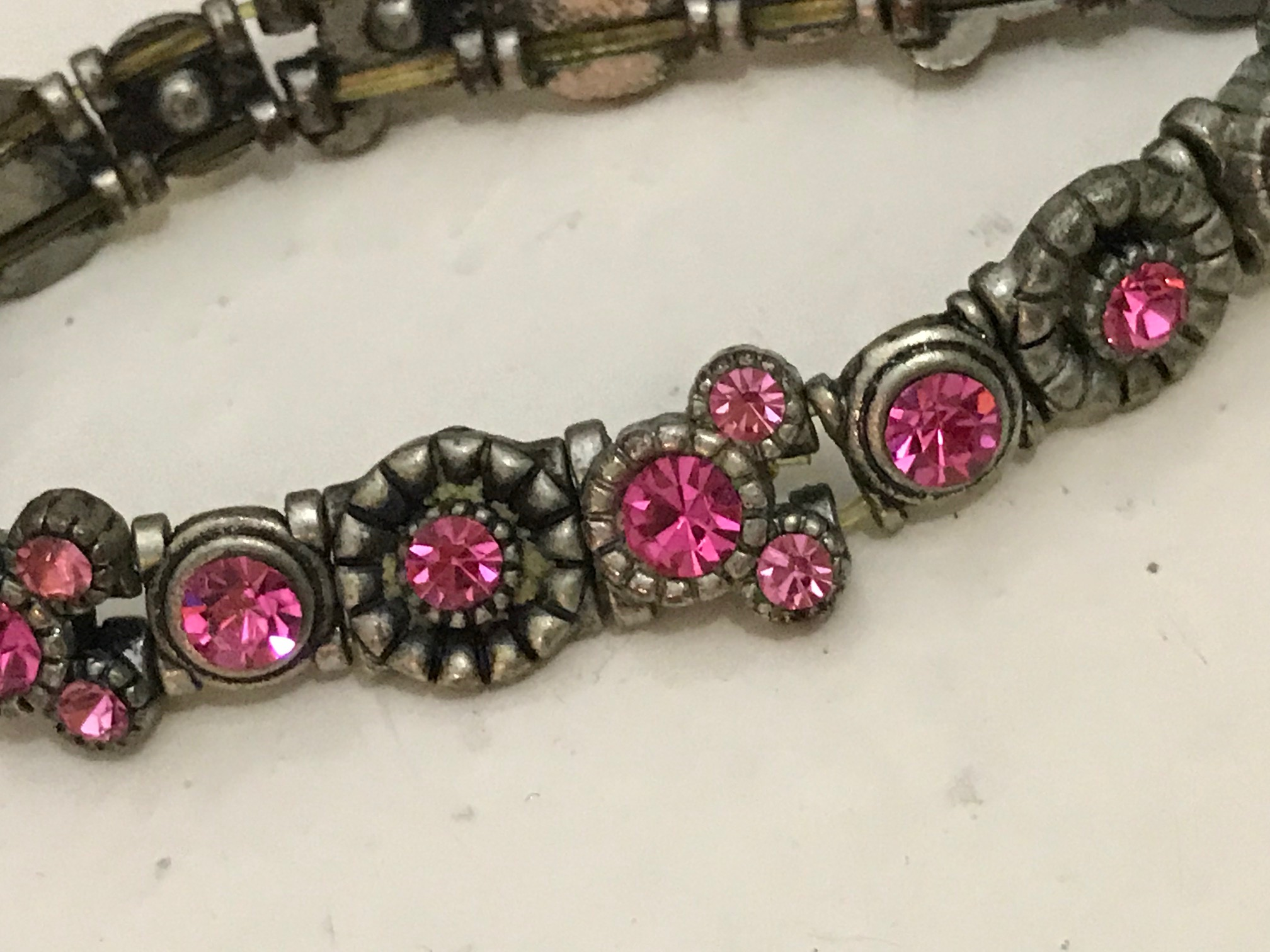 2010 Disney Branded Pink Crystal Minnie Mouse Bracelet Purchased at Disneyland: Crystals are 252,200 ppm Lead (That's 25% Lead)