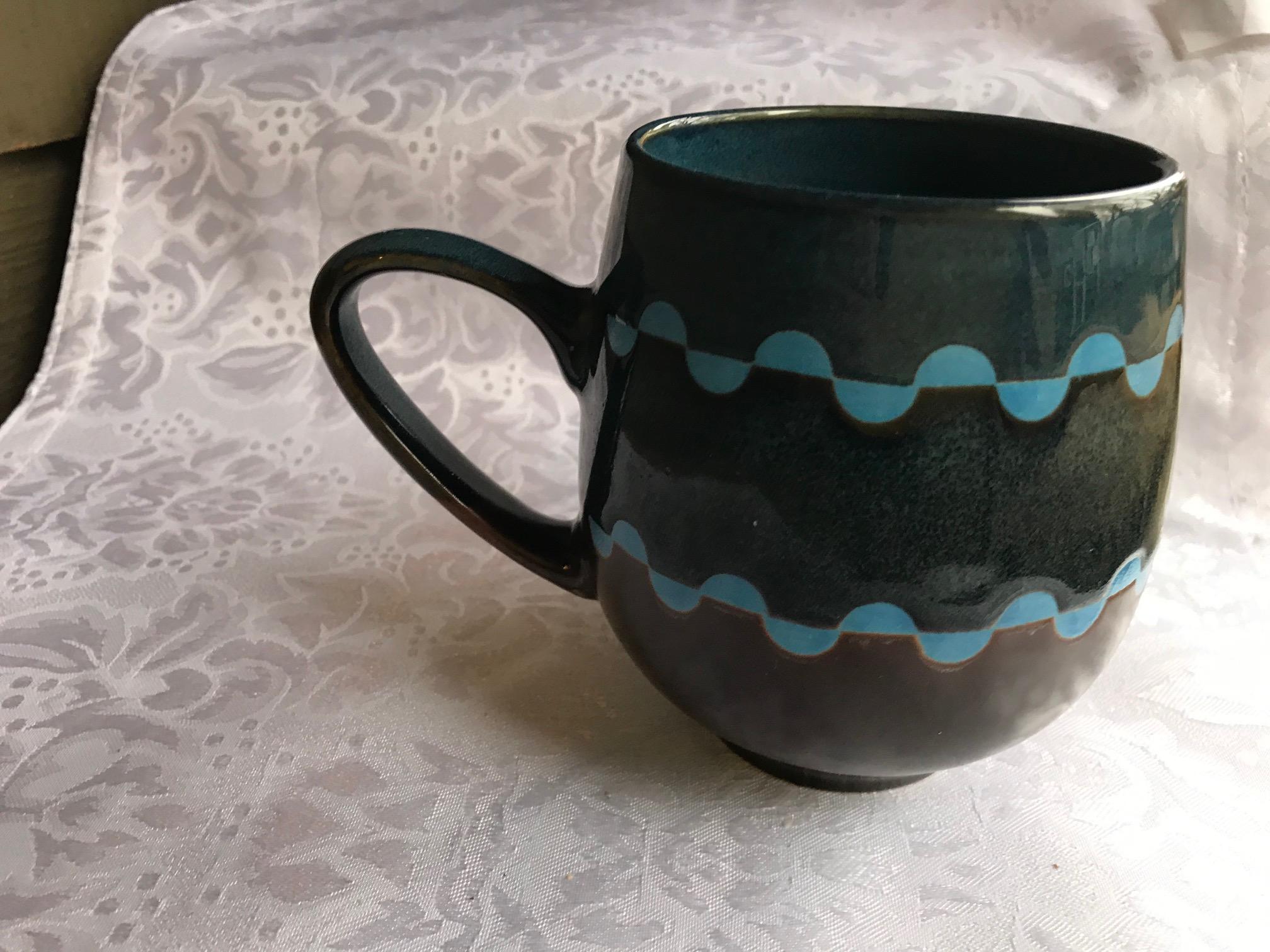 Dema Designs Romsey Brown and Blue Ceramic Mug: 29 ppm Lead (Lead-Safe)