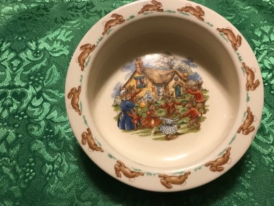 c. 1967-1976 Royal Doulton Bunnykins Baby Bowl: 61,800 ppm Lead on the FOOD surface. [90 is unsafe for kids]