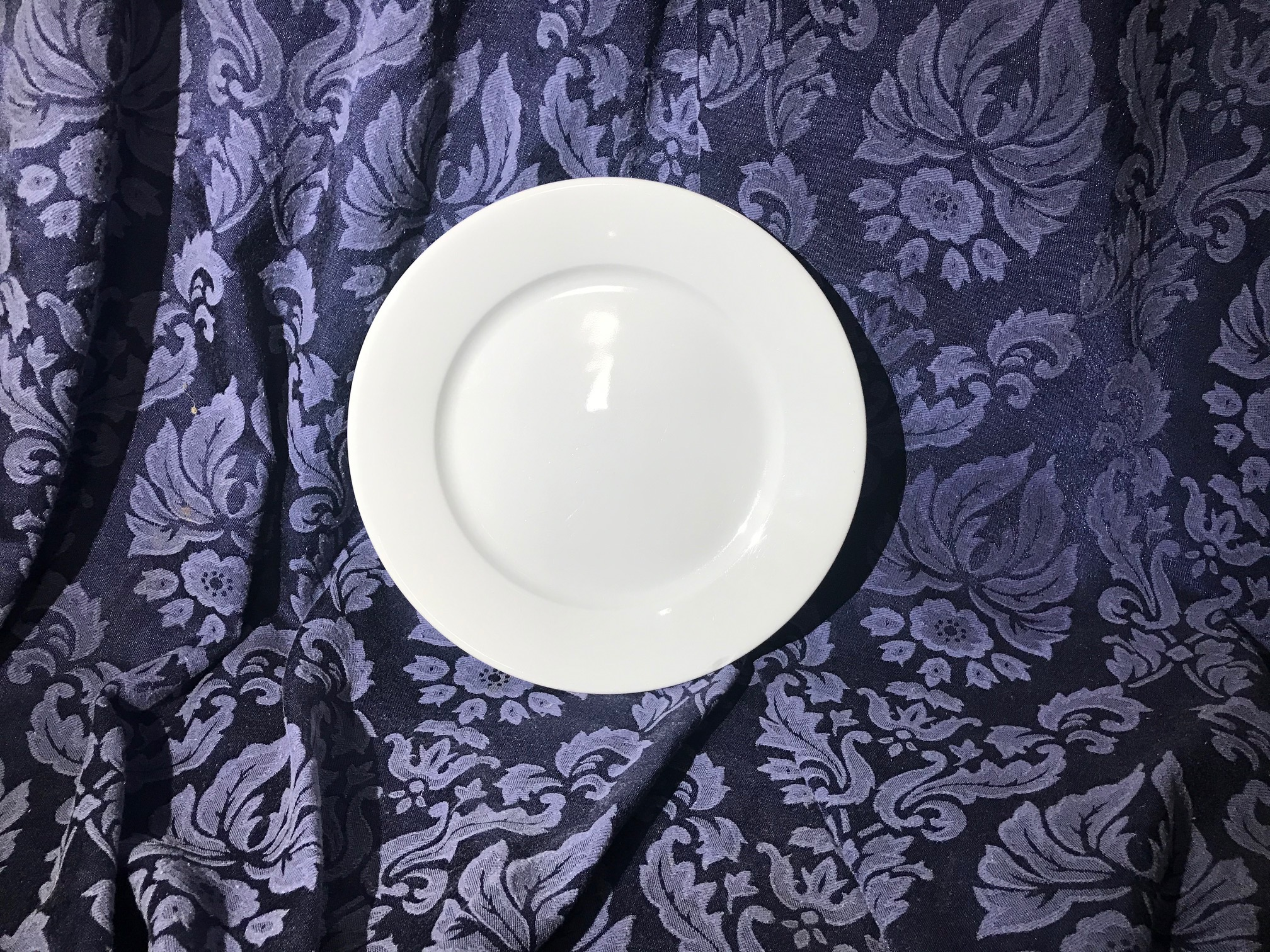 Apilco white porcelain plate, made in France: 90 ppm Lead - safe by all standards. Please click